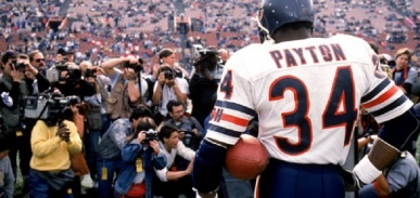 LOS ANGELES - DECEMBER 27:  Running back Walter Payton #34 of the Chicago Bears is honored during pre-game ceremonies in his last regular season game on December 27, 1987 against the Los Angeles Raiders at the Los Angeles Memorial Coliseum in Los Angeles, California.  The Bears won 6-3.   (Photo by George Rose/Getty Images) *** Local Caption *** Walter Payton